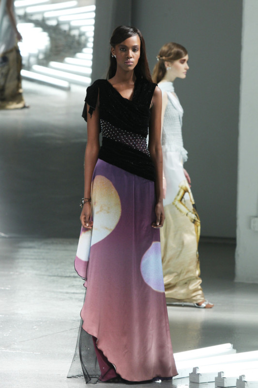 Vestidos de Star Wars hacen presencia en el New York Fashion Week - star-wars-fashion-week-4-533x800