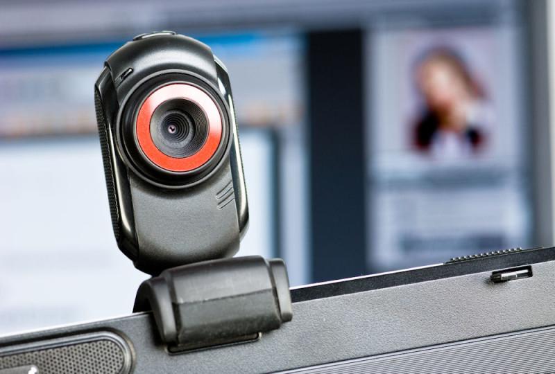 Agencia británica de vigilancia espiaba millones de webcams de usuarios de Yahoo! - webcam-gchq-800x540