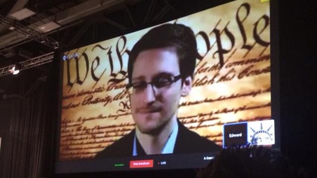Edward Snowden participó en el SXSW y llamó a mejorar la protección de datos - Edward-Snowden-speaks-at-SXSW-jpg