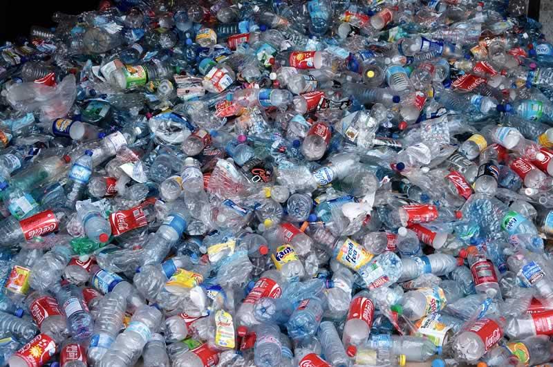 Crean marcador que diferencia el PET del PVC lo que facilitaría el reciclado de plásticos - identificar-pet-del-pvc