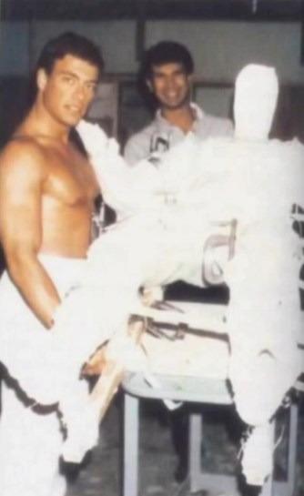 Jean-Claude Van Damme y su historia como el original DEPREDADOR - 113