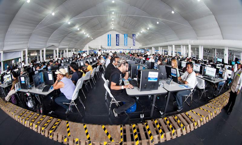 Aldea Digital 2014 rompió 3 récords Guinness - aldea-digital-2014-visitantes-800x480
