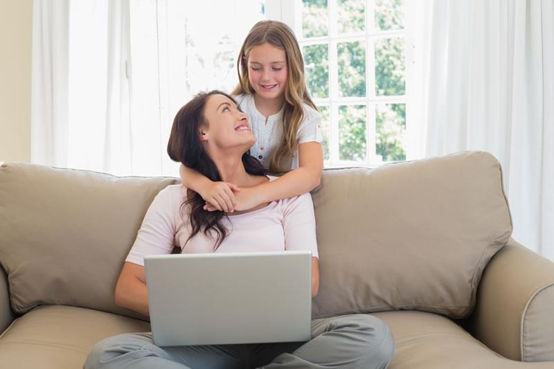 consejos navegar seguro mama Consejos para que las mamás naveguen seguro en internet por Kaspersky