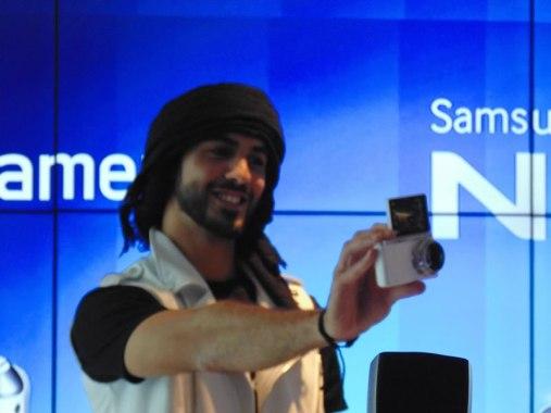 Samsung GALAXY Camera 2  y NX mini son lanzadas en México - Samsung-Camera-2-Omar-Borkan679