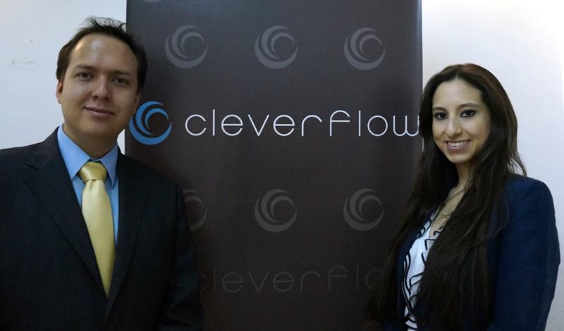 Cleverflow: la plataforma que te permite ganar dinero por twittear - Carlos-Espinosa-y-Victoria-Tagle-de-Cleverflow-b