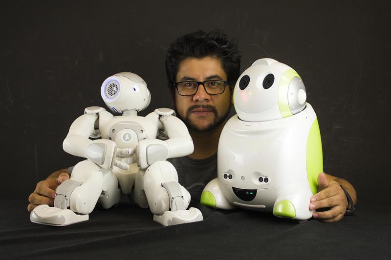 Eduardo Benítez Sandoval, el mexicano que analiza la reciprocidad entre robots y humanos - Eduardo-Benitez-Sandoval-Robots-Humanos