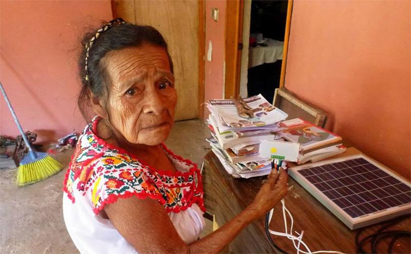 Jóvenes mexicanos iluminan zonas rurales con plataforma solar - iluminacion-en-zonas-rurales-con-celdas-solares-3