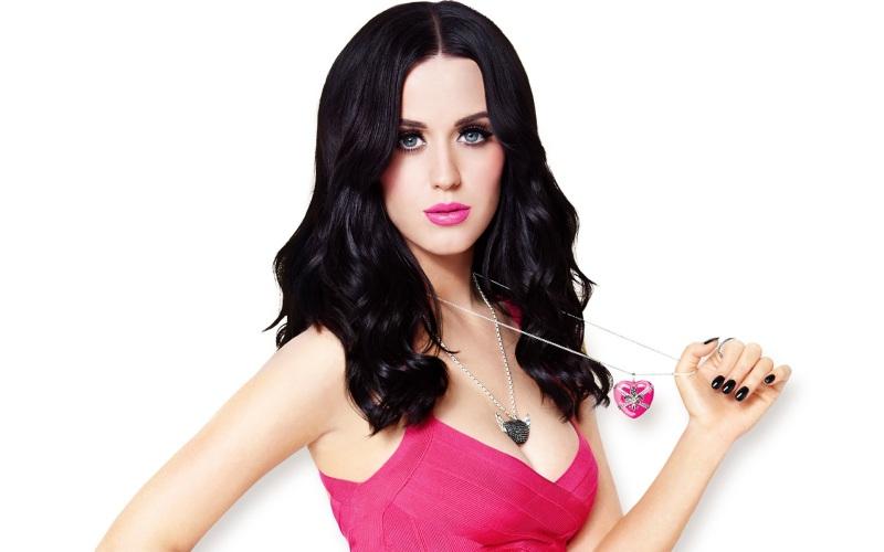 Los récords Guinnes de los famosos: One Direction, Katy Perry y más - Katy-Perry-Juicy_J_Prism_Dark_horse_tutupash-800x500