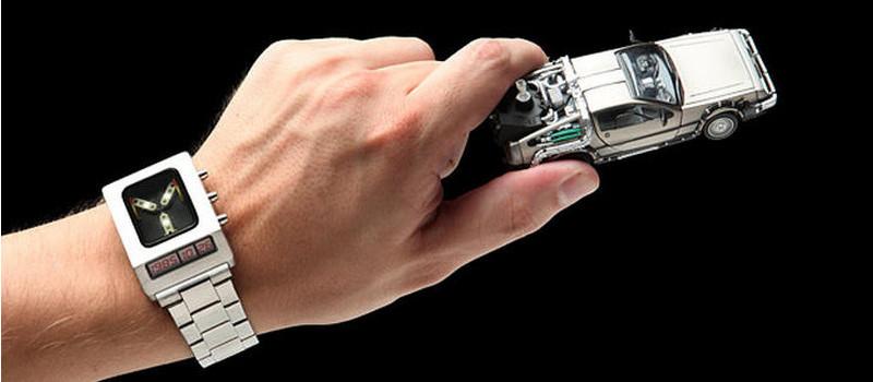 Novedoso reloj condensador de flujos de volver al futuro - condensador-de-flujos