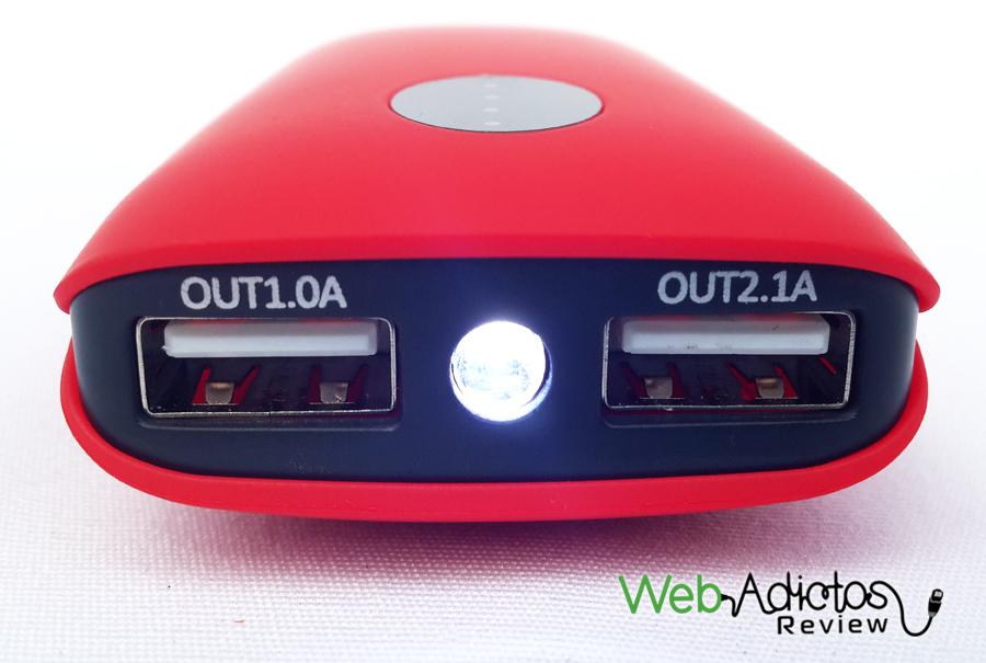 Baterías Portátiles Acteck XPLOTION, atractivas, divertidas y muy útiles - linterna-LED-power-bank-Xplotion-PB400