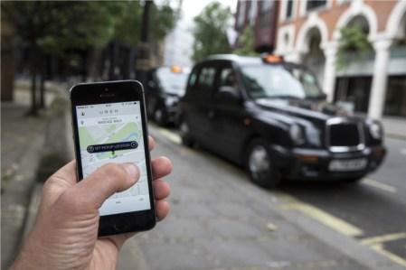 Francia podría prohibir Uber en 2015