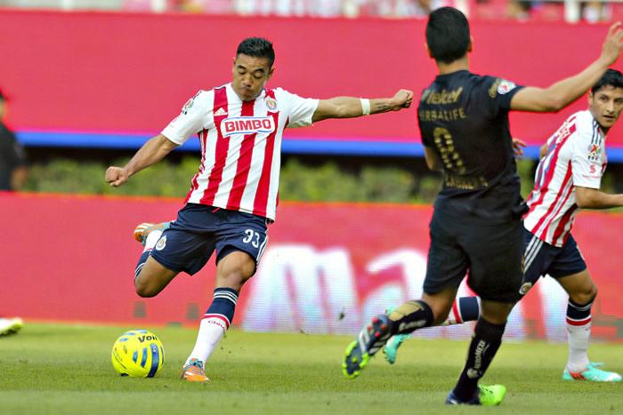 Esto pasó en la jornada 2 del Clausura 2015 en la Liga MX - Chivas-vs-Pumas-Marco-Fabian