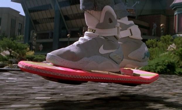 10 tecnologías de volver al futuro que llegarán este 2015 - patineta-voladora