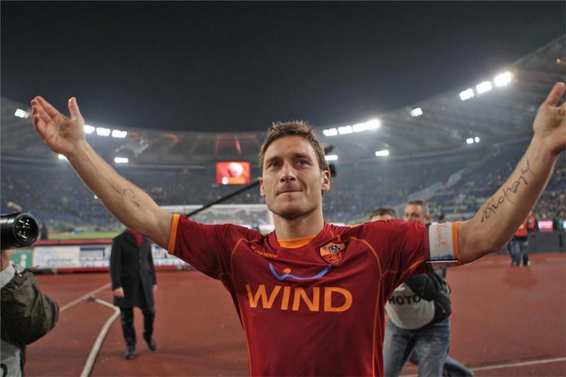 Francesco Totti se vuelve viral al celebrar un gol con un selfie - selfie-Francesco-Totti
