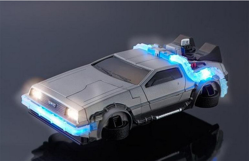 Funda para iPhone 6 en forma de DeLorean de volver al futuro - funda-delorean-iphone
