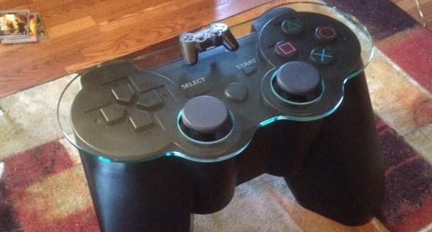 Crean mesa en forma de un control de PlayStation - mesa-playstation