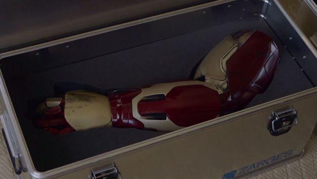 Robert Downey Jr. regala una prótesis de Iron Man a un niño discapacitado - iron_man_brazo-protesis