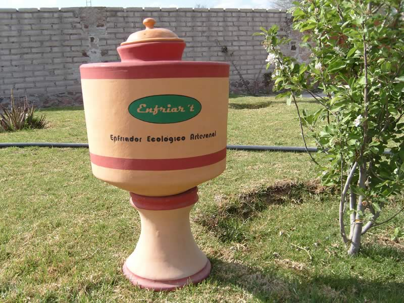 Mexicanos fabrican refrigeradores ecológicos con barro y materiales pétreos - Enfriadores-ecologicos-de-barro