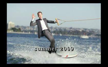 Quicksilver diseña traje de surf con saco y corbata