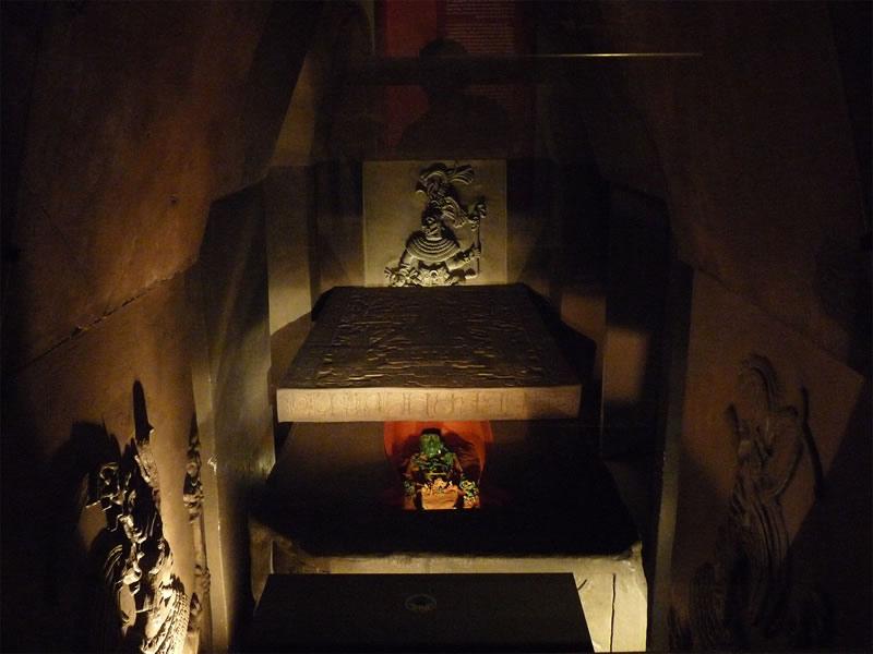 Descifran glifo maya, el hallazgo de la UNAM establece un salto en la comprensión de esta cultura - Tumba-Rey-Pakal