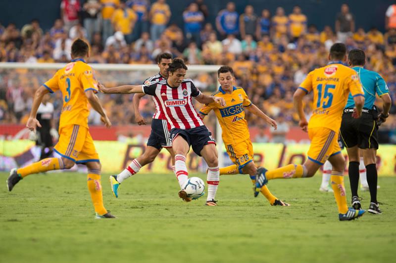 Chivas vs Tigres ¿A qué hora juegan en el Apertura 2015? - Chivas-vs-Tigres-Apertura-2015-a-que-hora-juegan