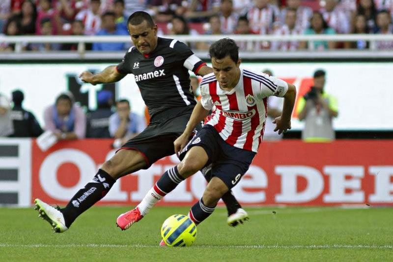 Chivas vs Toluca ¿A qué hora juegan en el Apertura 2015? - Chivas-vs-Toluca-A-que-hora-juegan-Apertura-2015
