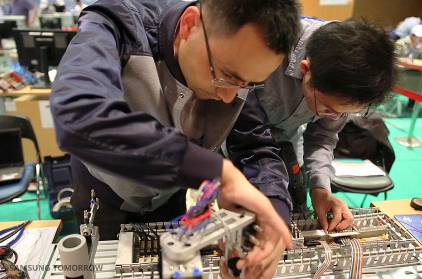 Más de 120 estudiantes de América Latina participan en el WorldSkills - SamsungSkills2_Inside