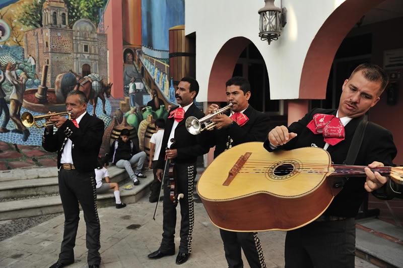 La Playlist Con Musica Mexicana Definitiva Para Amenizar Tu Noche Playlist De Musica