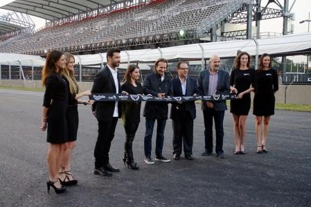 Se celebró la vuelta cero en la repertura de la pista del Autódromo Hermanos Rodríguez