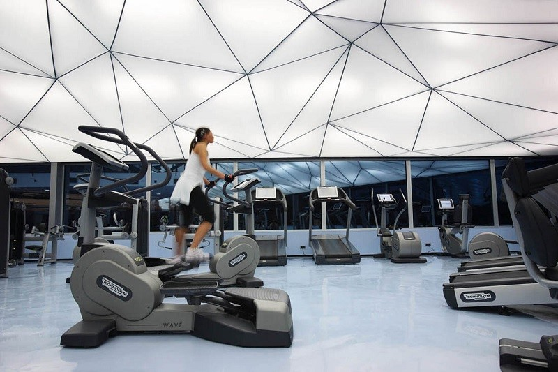 Tecnología, factor que impulsa la industria de los gimnasios en México - gimnasio-moderno-800x533