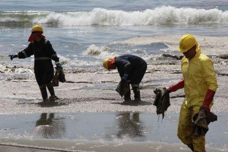 Crean material para limpiar derrames petroleros