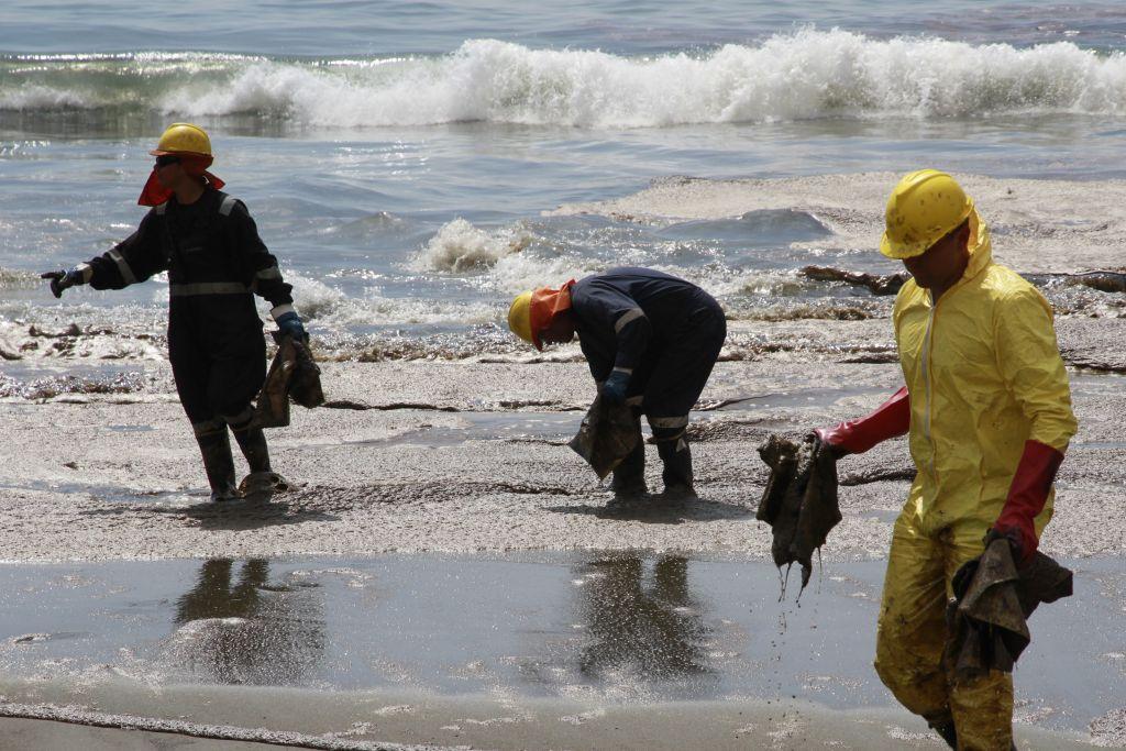 Crean material para limpiar derrames petroleros - 1693556