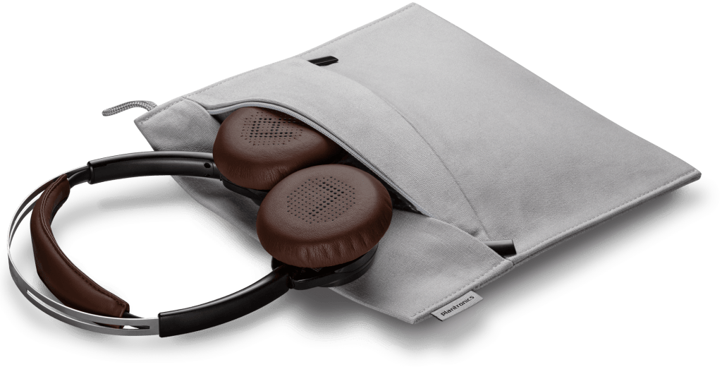 Plantronics recibe el premio a la Innovación CES 2016 - backbeat-sense-black-headset-and-case