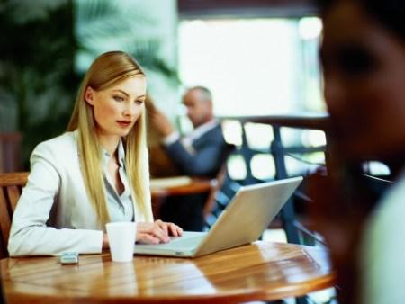 74% de las mujeres profesionistas demandan trabajo a distancia