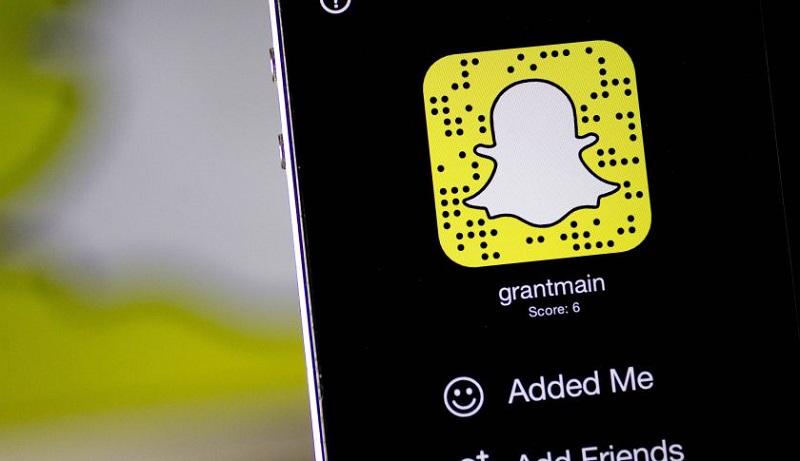 Snapchat compra Bitstrips, la empresa creadora de Bitmoji - snapchat-app-800x461