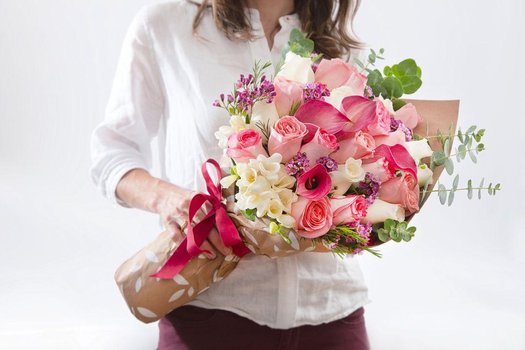 AZAP anuncia diseños florales y gift boxes ideales para el Día de las Madres - azap-flores-diadelasmadres