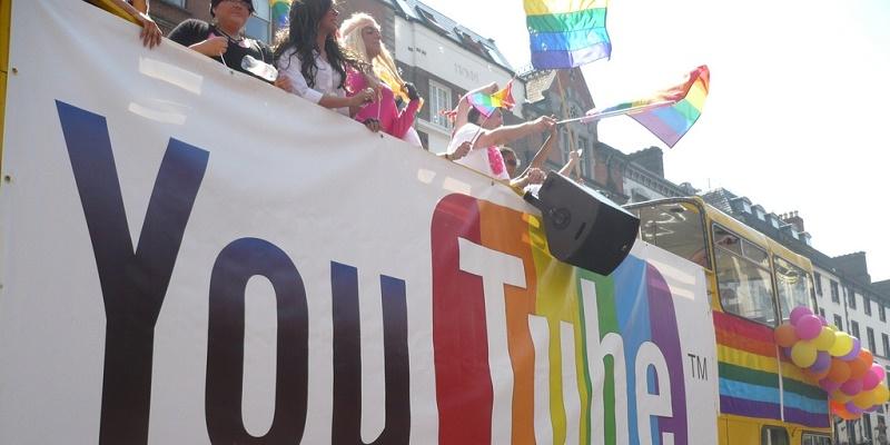 YouTube lanza #ProudToBe, una campaña para celebrar la identidad gay - f48b3297aab6d64e033f8fd77856b80e-800x400