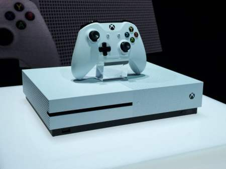 E3: Microsoft presenta una Xbox One más pequeña y potente