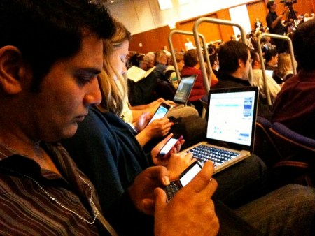 Mexicanos cuentan con uno a tres dispositivos móviles: Asus
