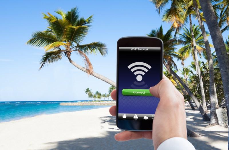 El uso masivo de las redes WiFi facilita los ciberataques en vacaciones - redes-wifi-facilita-los-ciberataques-en-vacaciones-800x527