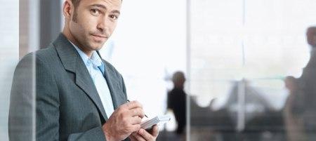 Estudio revela que los hombres tienen mayor dependencia al smartphone que las mujeres