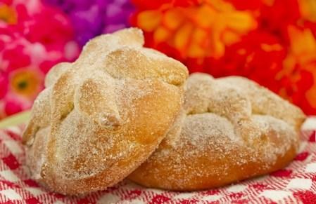 Conoce el origen y significado del Pan de muerto