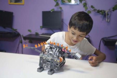 Lanzan programa de robótica para escuelas públicas