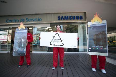 Greenpeace acude a las oficinas de Samsung para exigir el reciclaje del Galaxy Note 7
