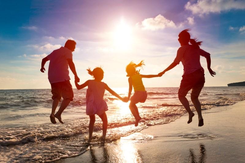 Familias prefieren asegurar sus viajes internacionales antes que los nacionales - familias-prefieren-asegurar-sus-viajes-internacionales-800x534