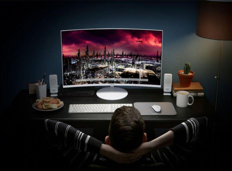 Samsung lanza monitores curvos con tecnología Quantum dot en México - quantumdotcurvegamingmonitor5-800x591