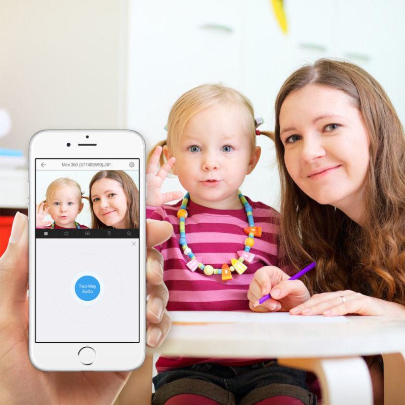 Mantén seguro a tus hijos con una cámara domestica inteligente - camara-mini-o-de-ezviz-800x800