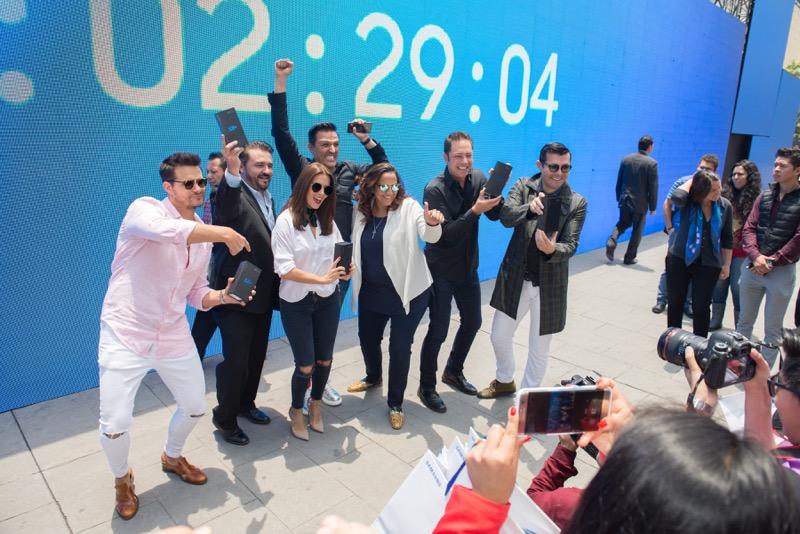 lanzamiento s8 samsung 08 800x534 Samsung crea una experiencia única en Plaza Carso por la llegada del Galaxy S8
