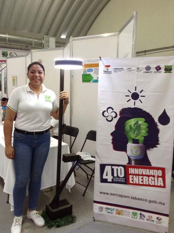 Crea una mexicana luminaria solar para abastecer energía a comunidades rurales - luminaria-solar-597x800