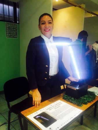 Crea una mexicana luminaria solar para abastecer energía a comunidades rurales